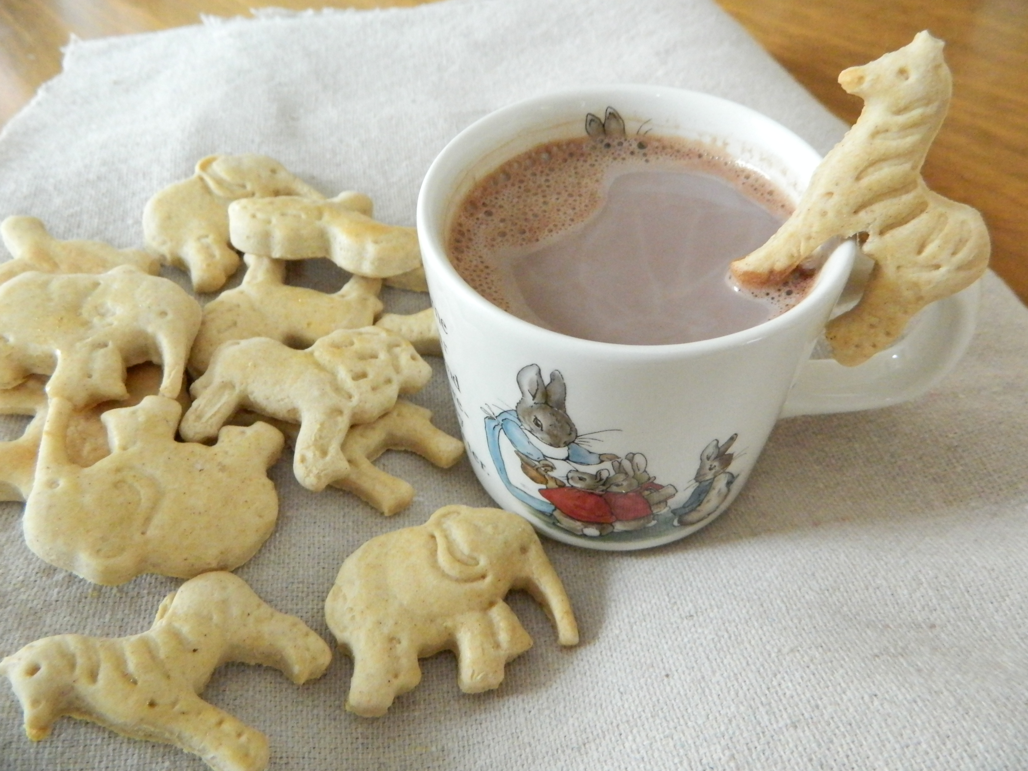 Animal Crackers and Cocoa to drink - finestofsuppers.com