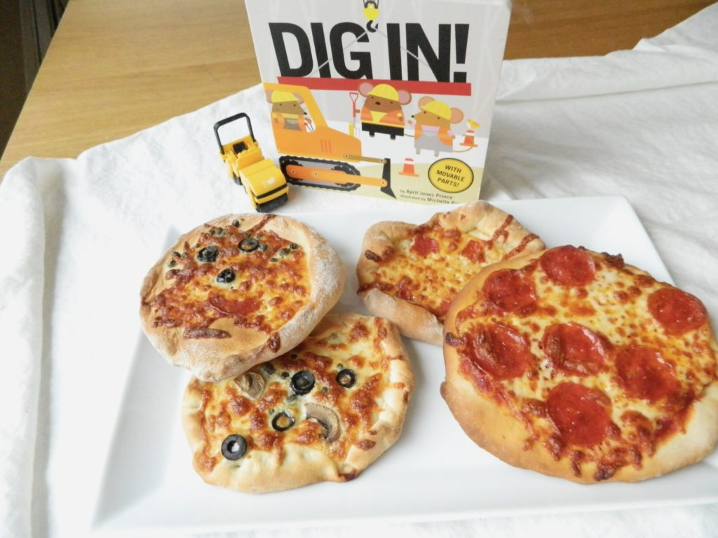 Mini No-Rise Pizzas - finestofsuppers.com