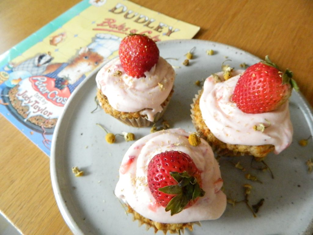 Carrot Muffins with Fresh Strawberry Frosting - finestofsuppers.com