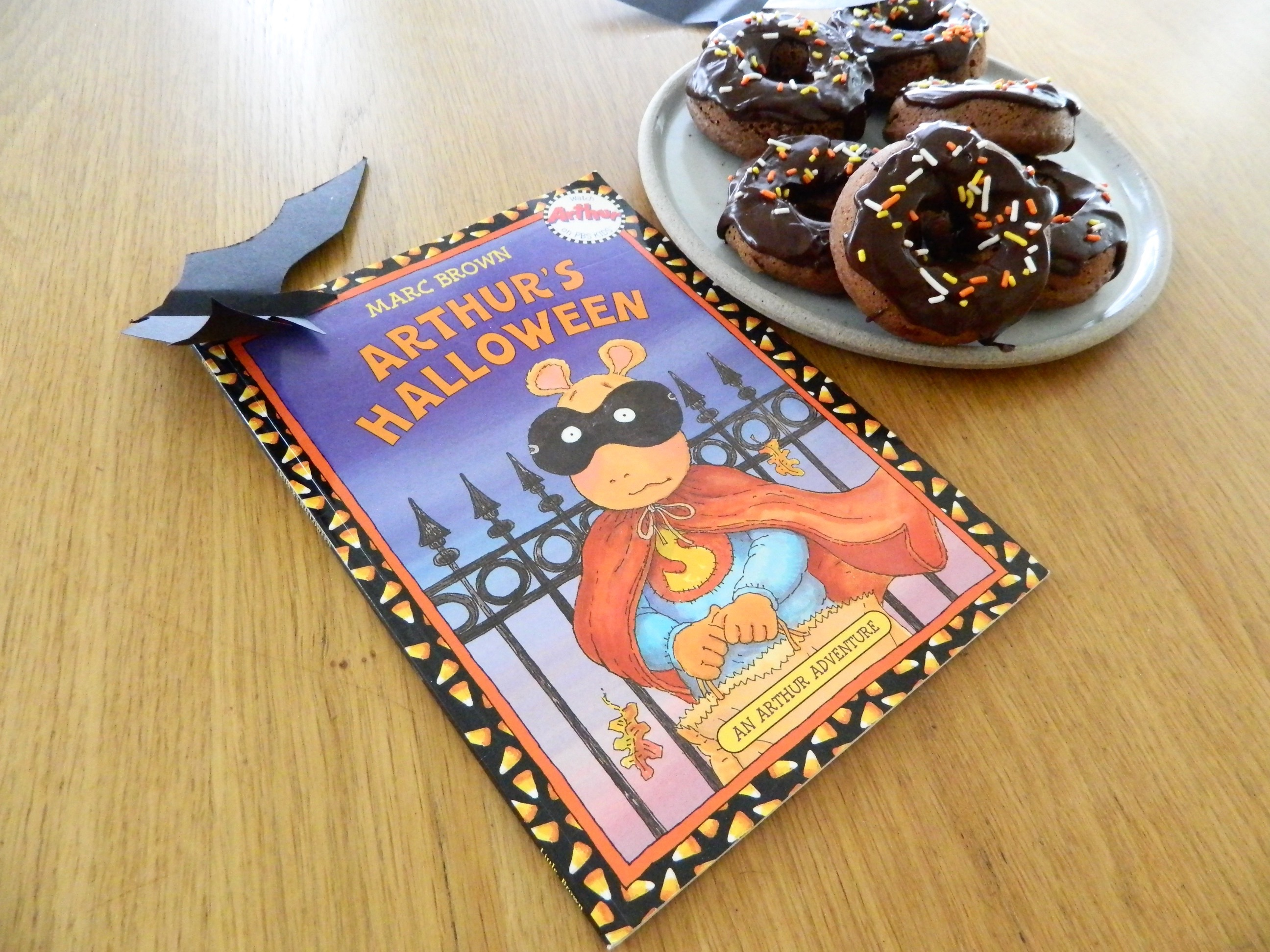 """Baked Double Chocolate Donuts and """"Arthur's Halloween"""" by Marc Brown - finestofsuppers.com"""
