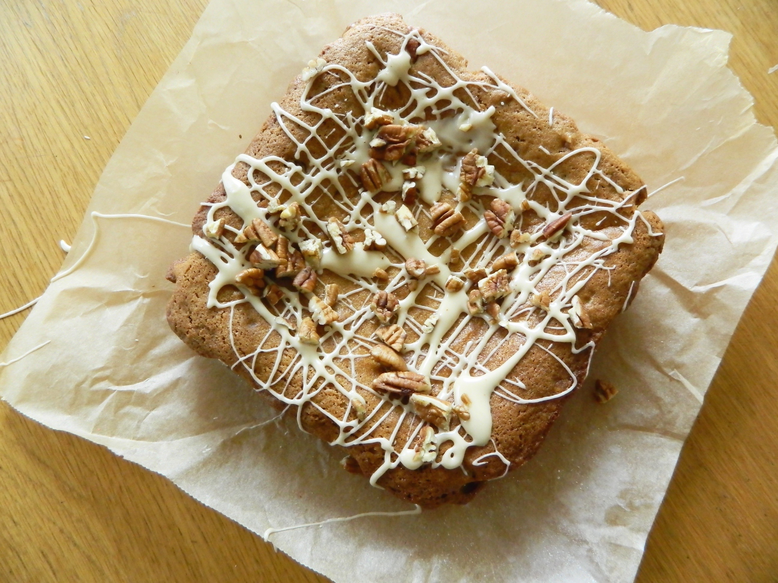Maple Pecan Snack Cake - finestofsuppers.com