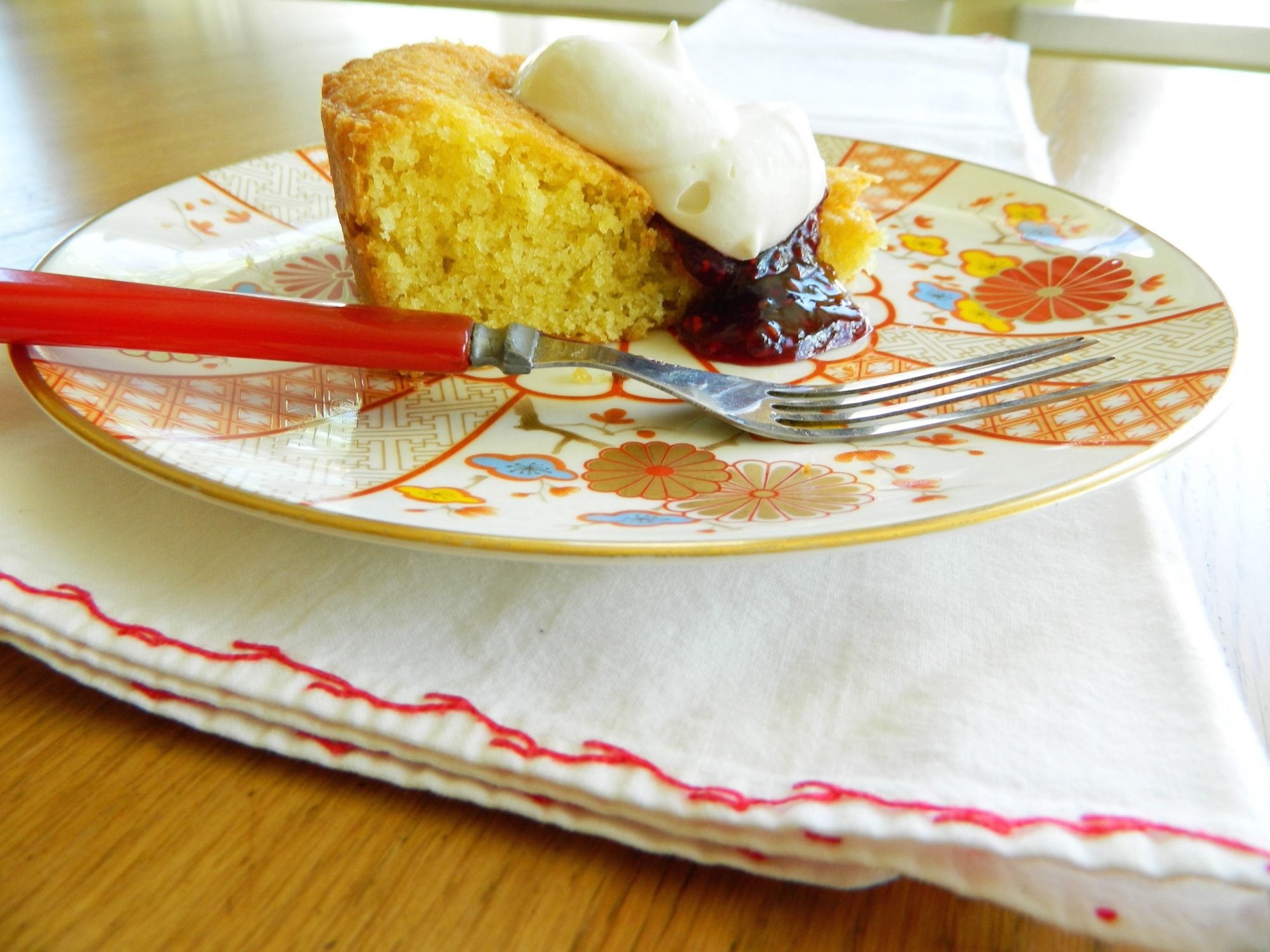 Brown Butter Pound Cake - finestofsuppers.com